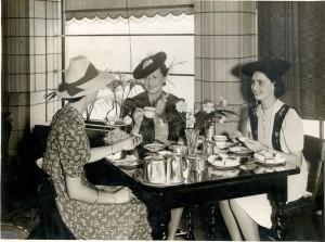 Dining-ladies